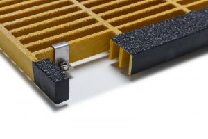 fiberglass-rectangular-mesh-stair-tread